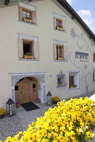 Engadinerhaus,Hotel Cadonau in Lain